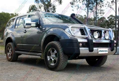 nissan pathfinder airbags nissan pathfinder fitted heavy duty airbags 4x4 airbags