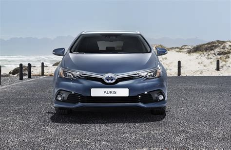 Toyota Line Up 2015 Toyota Auris Facelift Shares New Details About Its