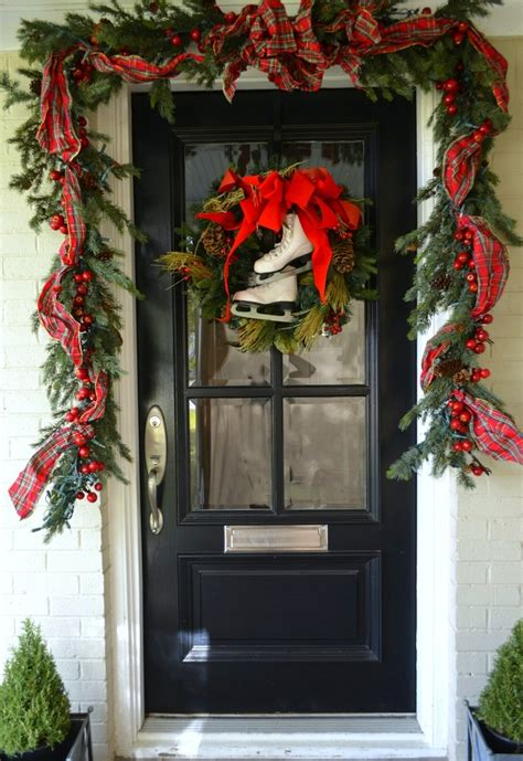 christmas door decorating 38 stunning christmas front door d 233 cor ideas digsdigs