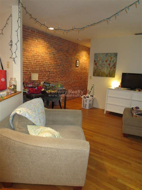 bdr apartment  gainsborough st  boston fenway realty  boston real estate company