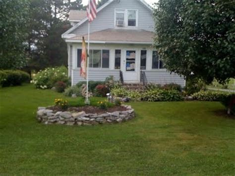 Flagpole Landscaping Ideas Flag Pole With Rock Garden Around Outdoor Ideas Landscaping Pin