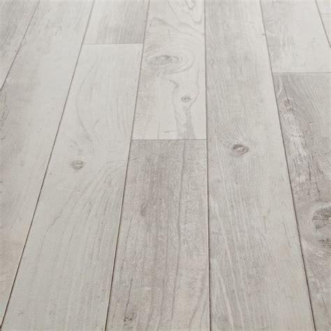 25 best ideas about linoleum flooring on best 25 vinyl flooring kitchen ideas on flooring