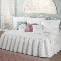 Daybed Comforter Sets 1000 Ideas About Daybed Covers On Bed Sets Size Daybed And Daybed Bedding
