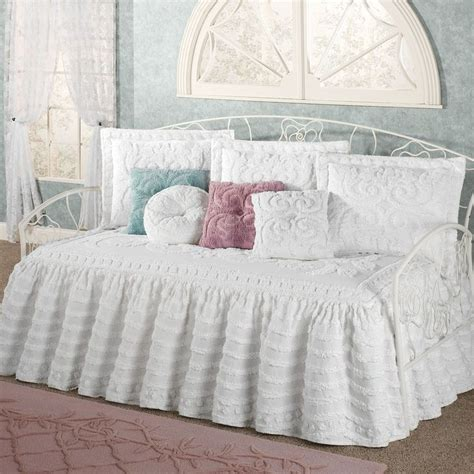 day bed comforter 1000 ideas about daybed covers on pinterest bed sets