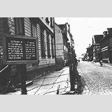 Jewish Ghettos During The Holocaust | 320 x 220 jpeg 26kB