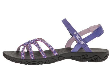 teva sandals smell teva kayenta at zappos