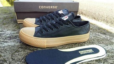 Sepatu Converse All Chuck Ct Tali Coklat Cowo Kets Sekolah jual sepatu converse all chuck ct ii leather sol gum cowo pria di lapak argia store