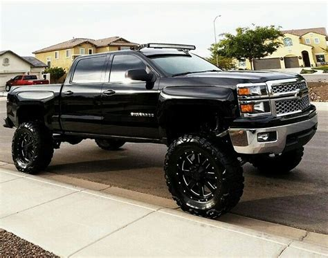 chevy lifted 25 best ideas about lifted chevy trucks on