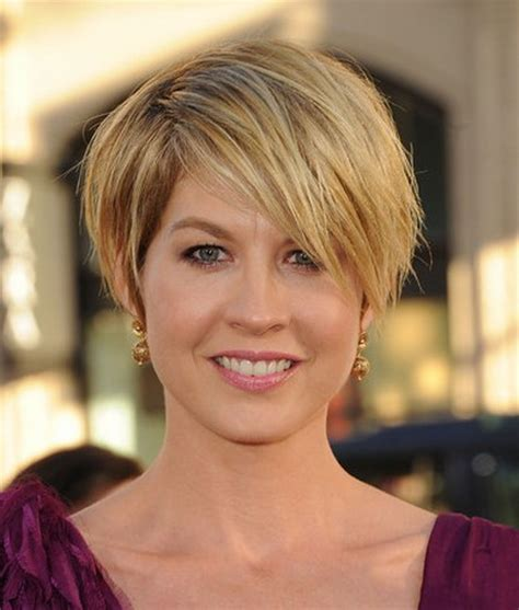 shhort haircuts for heavy set women feathered short haircuts for older women