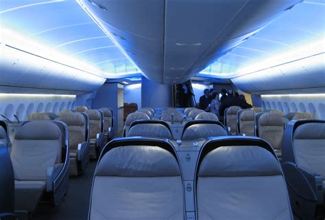 file interior boeing 747 8 intercontinental main deck jpg wikimedia commons