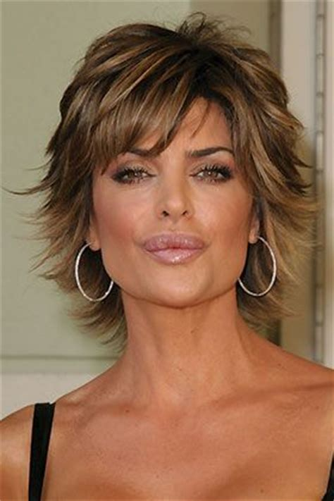 lisa rinna hair stylist 25 best ideas about short layered haircuts on pinterest