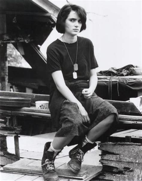 Winona Makes A Fashionable Comeback With Us Vogue by Best 25 Winona 90s Ideas On Winona