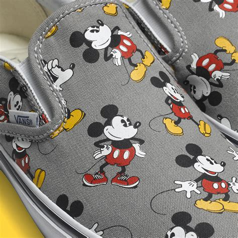 Slip On Micky Putih 1 vans x disney footwear and apparel fall 2015 collection