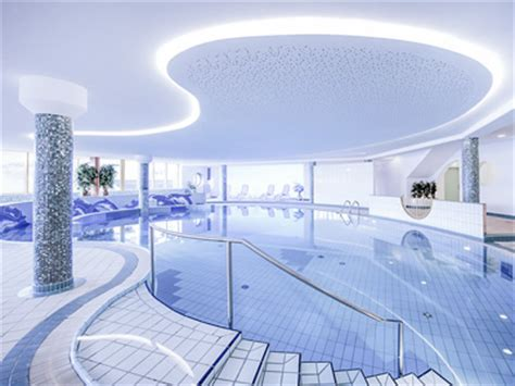 slope wellness indoor swimming pool in the wellness hotel near the slope