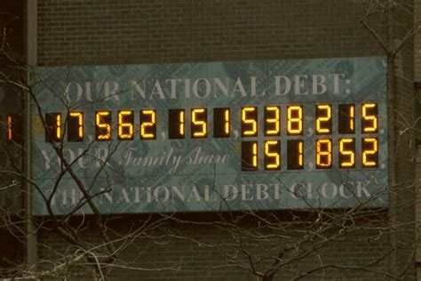 us national debt clock 180 the national debt clock 1000 things to do new york