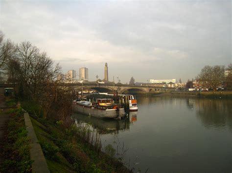 thames river kew westminster thames path kew bridge to battersea