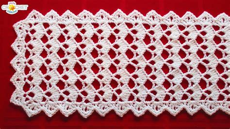 dress up your table with an easy round topper quilting digest festive table runner crochet pattern looks fancy easy