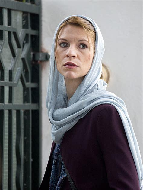 claire danes producer homeland alex gansa talks homeland season 4 reaction to season 3