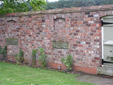 Reclaimed Brick Garden Walls Reclaimed Bricks Reclaimed Oak Flooring Bricks Materials