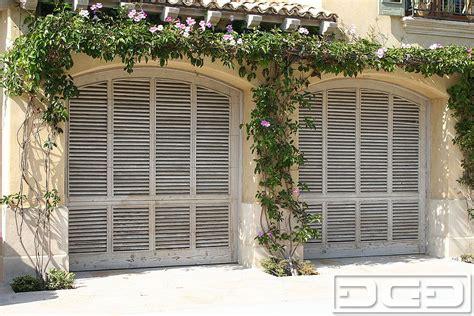 coastal cottage 03 custom architectural garage door