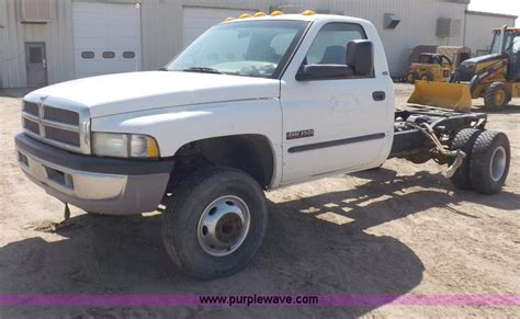 dodge 3500 cab and chassis 2002 dodge ram 3500 slt laramie truck cab and