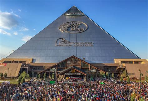 boat shop open on sunday coolest bass pro shops location ever now open in memphis