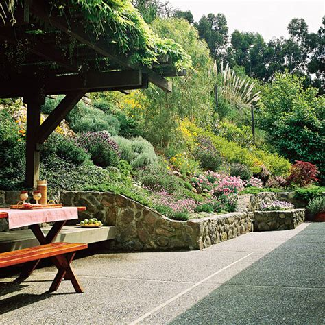 hill landscaping ideas best 25 landscaping a hill ideas on pinterest steep