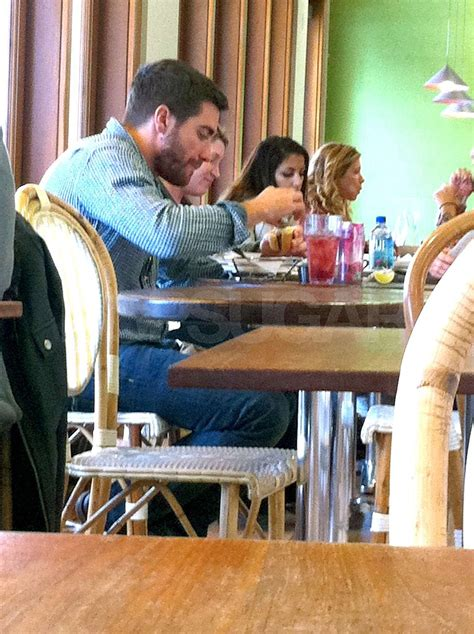 Pictures of Jake Gyllenhaal Eating Lunch at M Cafe in Los