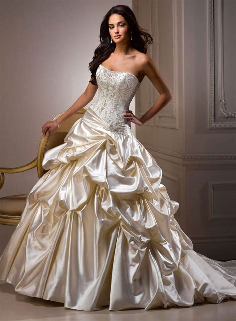 Dress Pricilia maggie sottero priscilla wedding dress size 6