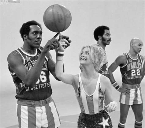 the superstar story of the harlem globetrotters history of stuff books 71 best harlem globe trotter s i got to see them in