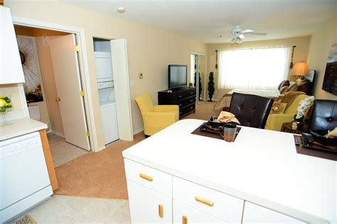 1 bedroom apartments in bloomington il gallery brookridge heights apartments apartments in