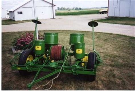 Deere 290 Corn Planter Parts by 1952 Deere 290 Corn Planter Tractorshed