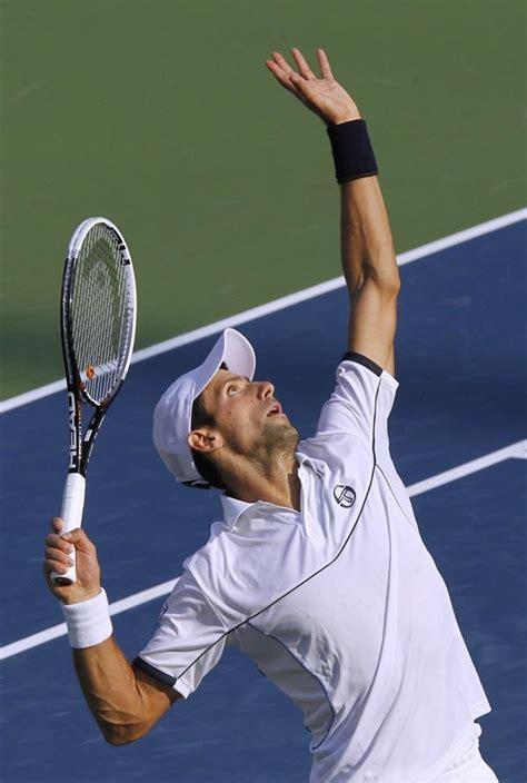 el tenis como experiencia 843973123x lanzamiento de pelota en el servicio de tenis