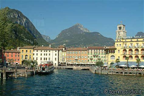 Motorrad Mieten Riva Del Garda by Riva Del Garda Gardasee Reisef 252 Hrer Italien Urlaub