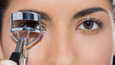 tutorial make up pengantin pria tips aman memakai penjepit bulu mata