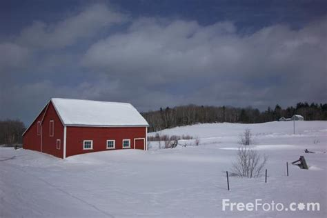 Barn In The Usa Barn In The Snow Vermont Usa Pictures Free Use
