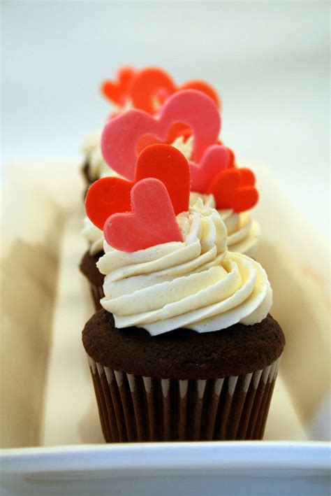 valentines day cupcake be different act normal s day cupcakes