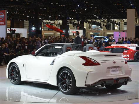 Kaca Spion Mobil Nissan Juke nissan 370z nismo roadster akan perkuat agresivitas nismo