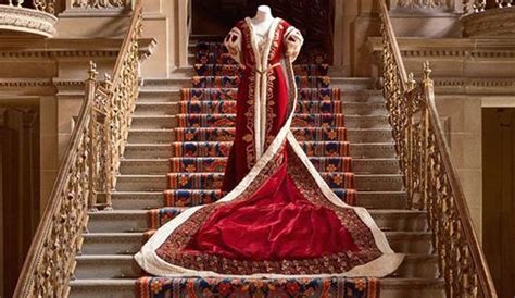 house style five centuries 0847858960 house style five centuries of fashion at chatsworth it s liquid group official website