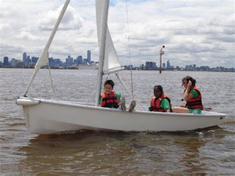 small boat yacht club learn to sail small boat royal yacht club of victoria
