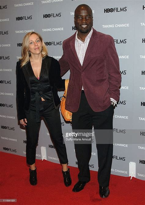 mike colter wife mike colter finally responded to the criticism for getting