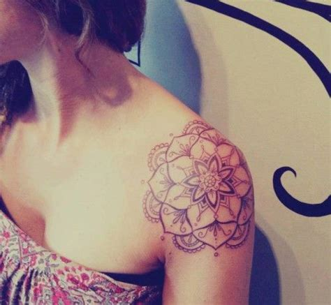 tattoo lotus epaule best 25 tattoo epaule femme ideas on pinterest tatouage