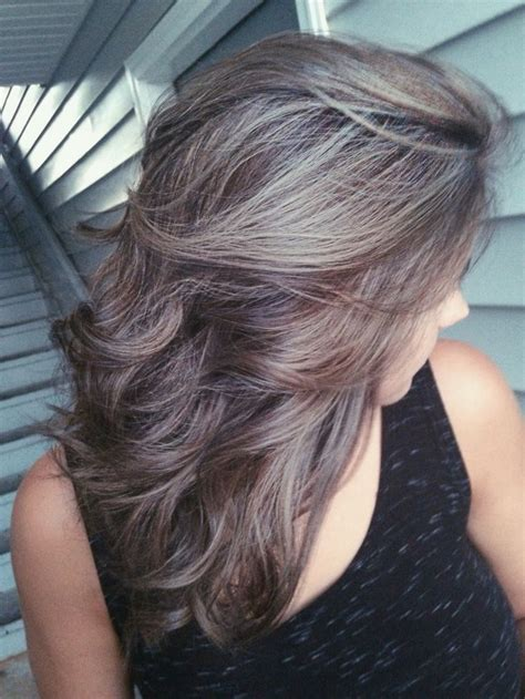 highlights to hide grey in darker hair 25 b 228 sta id 233 erna om gray highlights p 229 pinterest