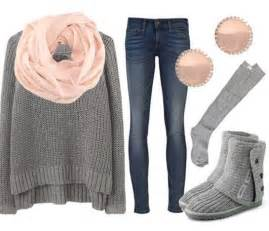 Pop of color with the light pink scarf and earings for a styligh look