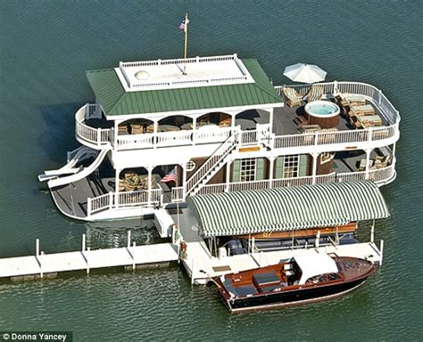 tarzan boat tennessee houseboat included country music star alan jackson puts