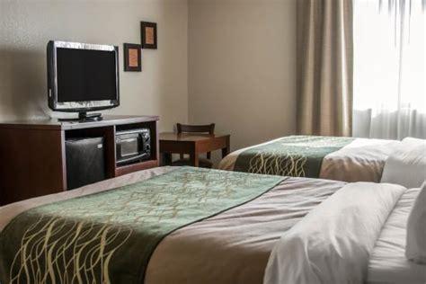comfort inn warren mi comfort inn warren updated 2017 hotel reviews price
