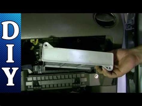2001 mitsubishi montero how to install cabin air filter how to remove and replace a cabin air filter 03 06 mitsubishi outlander youtube