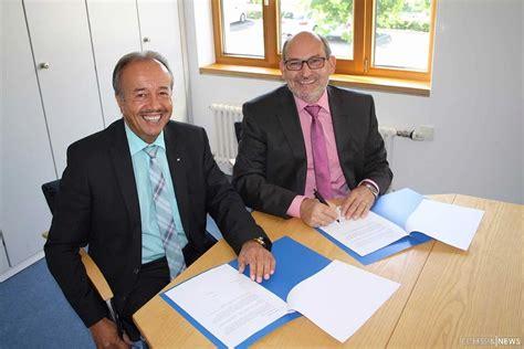 vr bank fulda wigbertschule unterzeichnet kooperationsvertrag mit vr
