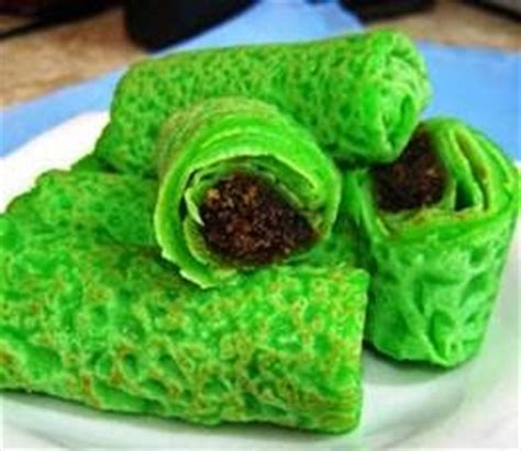 cara membuat kue bugis isi kelapa resep kue dadar gulung hijau isi kelapa manis dan sederhana