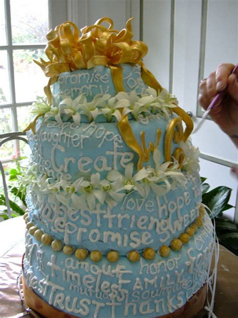 Wedding Cake Writing by 17 Of The Most Disastrous Wedding Cake Fails